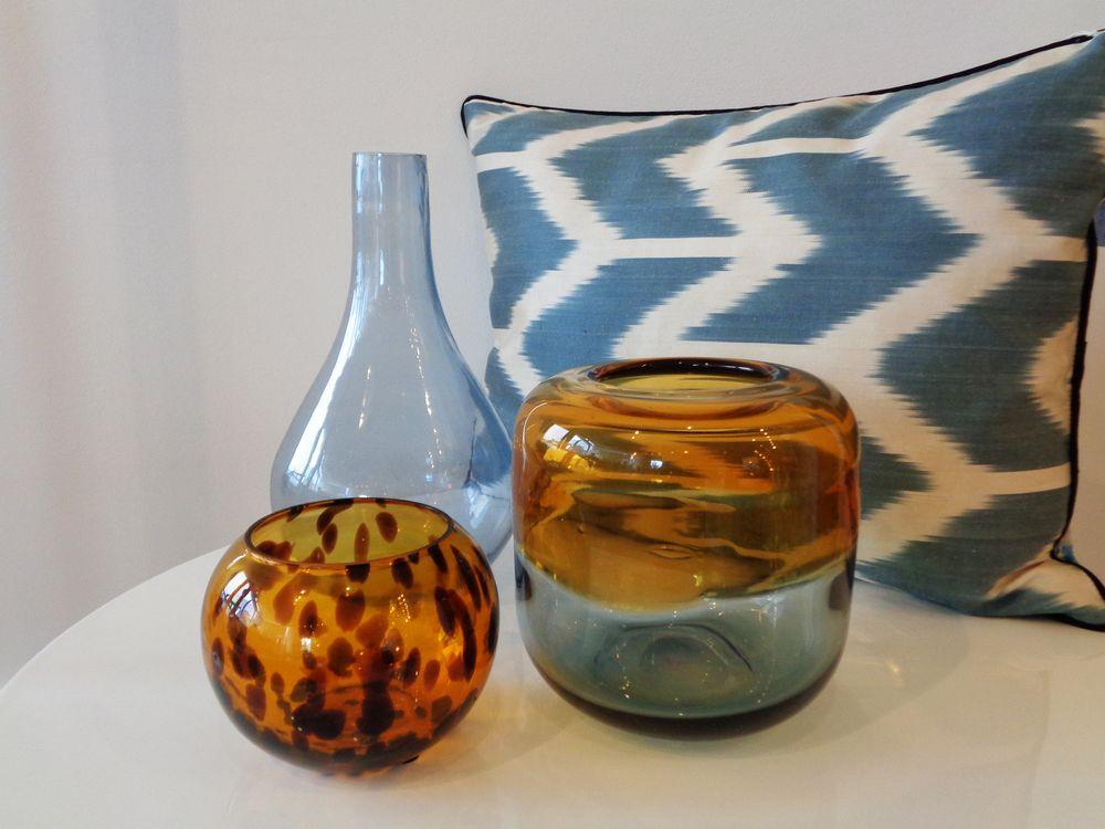 08 harmonie jaune et bleu vases coussin