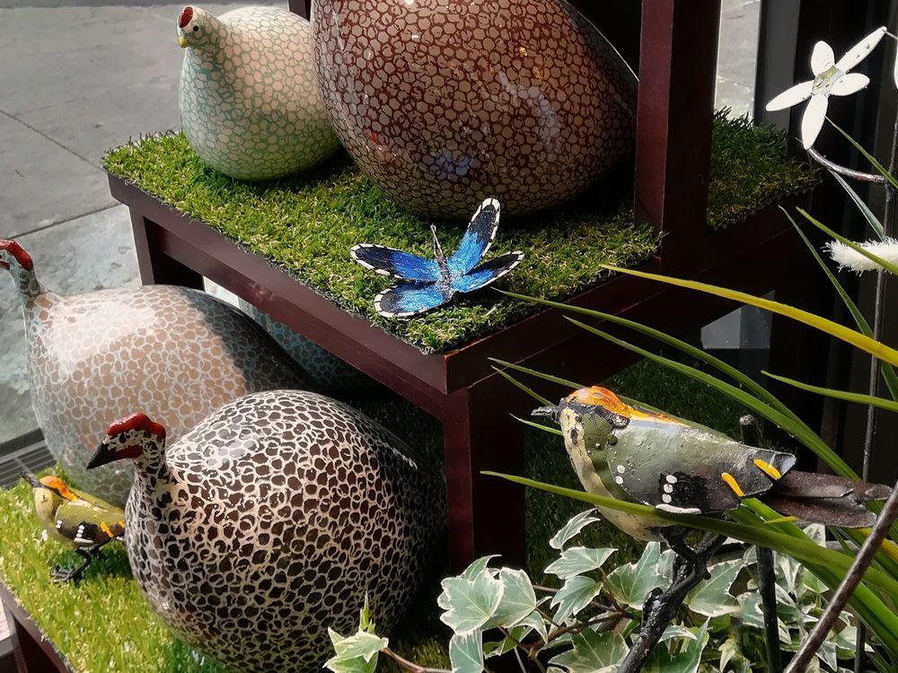09_ceramiques_lussan_tuteur_jardiniere_papillon_arrosoir_et_persil